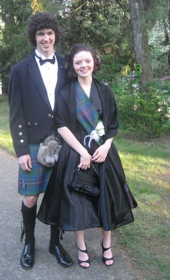 Emma_and_connell_prom_2
