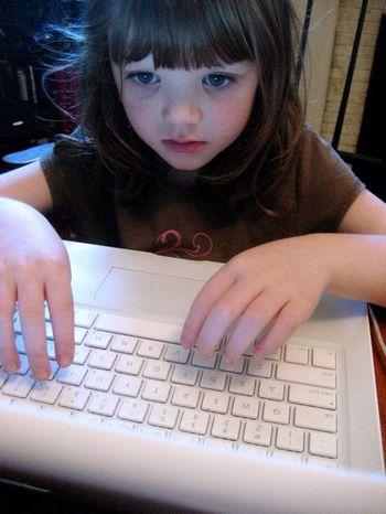 Tess_at_laptop