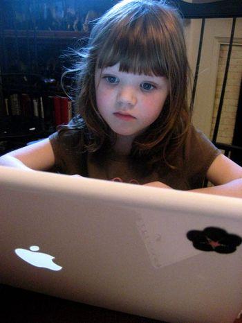 Tess_at_laptop2