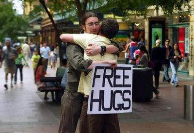 Free_hugs_wideweb__470x3230